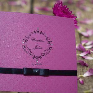 caixa com pedrinhas de acrílico,  caixa rosa para 15 anos